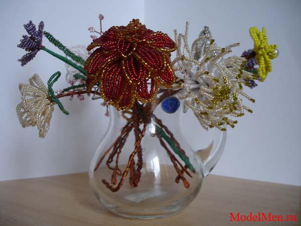 ваза с цветами из бисер