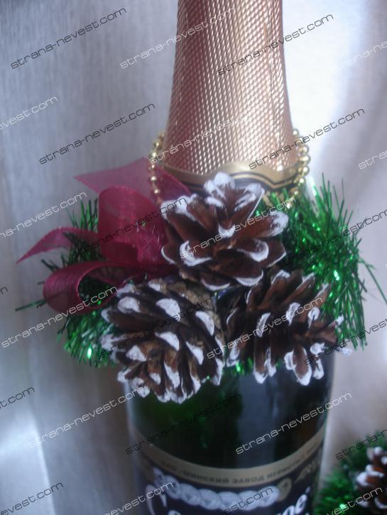 Украшение новогодних подарков шишками мастер класс