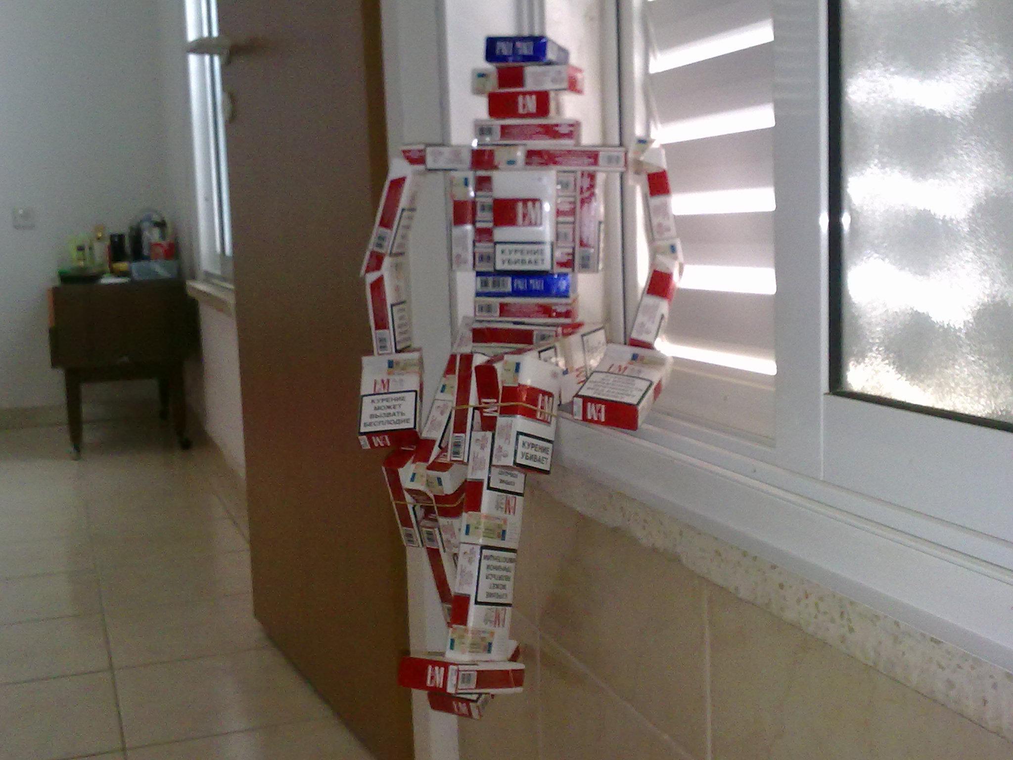 Робот из пачек сигарет » Роботы своими руками